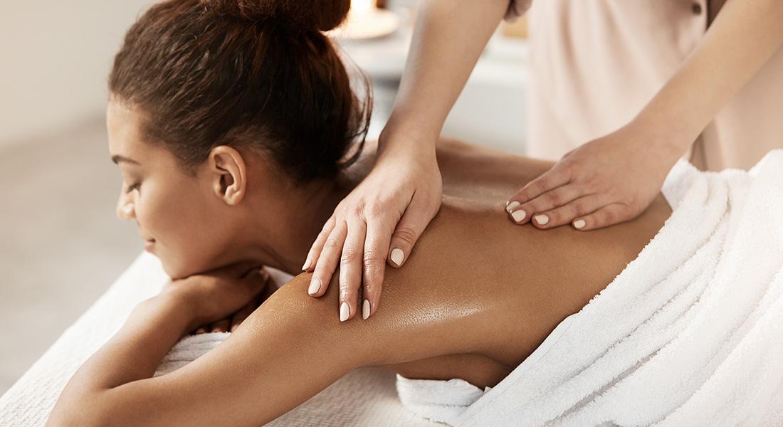 massage dos femme